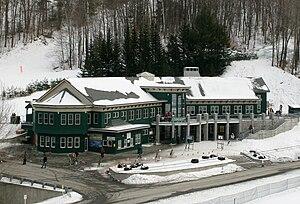 Dartmouth Skiway - Image: Skiway mclane ski lodge 2007 02 10