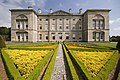 Sledmere House and parterre (geograph 3581583).jpg