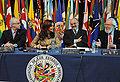 Somavía Cristina Kirchner - Reunión de Ministros de Trabajo en Argentina - 2009.jpg