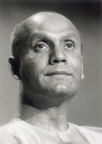 Sri Chinmoy - Image: Sri Chinmoy meditate 2
