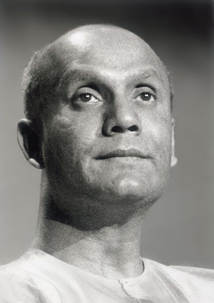 File:Sri-Chinmoy-meditate-2.jpg