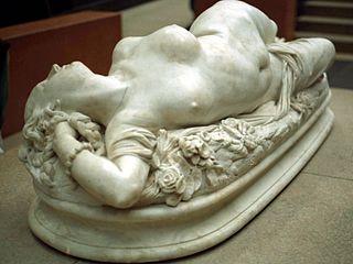 Femme piquée par un serpent