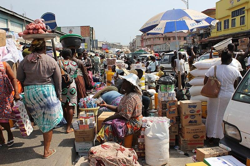 File:Street Outside Makola Market, Accra, Ghana.JPG