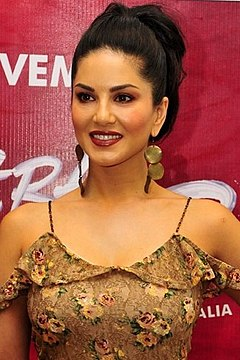 Sunny Leone promote 'Tera Intezaar' in Delhi.jpg