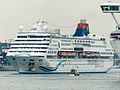 Superstar Aquarius Moving in Port of Keelung 20140518b.jpg