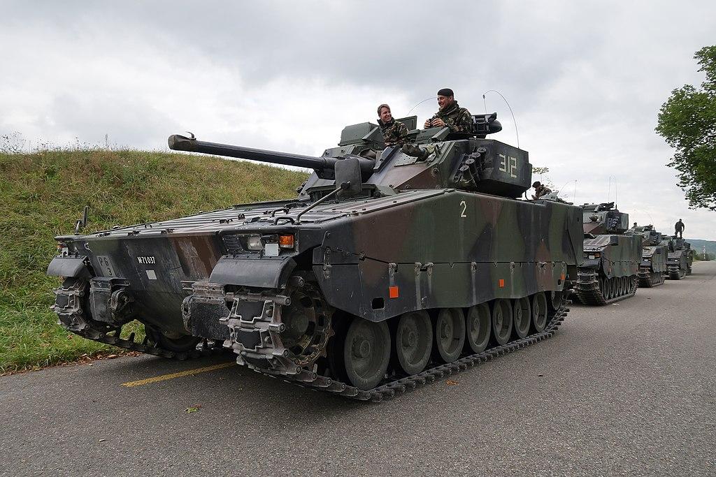 1024px-Swiss_Army_-_Pz_Bat_29_%2830149627231%29.jpg