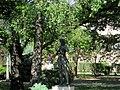 Számoló kislány (Mikus Sándor), Budafoki szobor egy parkban 2.jpg