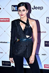 Taapsee-Pannu-Celebs-grace-the-HT-Style-Awards-2018-52.jpg