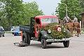 Taistelunäytöksen kalusto Lippujuhlan päivä 2014 11 Ford kuorma-auto.JPG