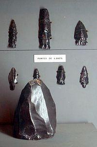 Takalik Abaj obsidian spearpoints.jpg