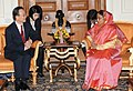 The Chinese Premier, Mr. Wen Jiabao meeting the President, Smt. Pratibha Devisingh Patil, at Rashtrapati Bhavan, in New Delhi on December 16, 2010.jpg