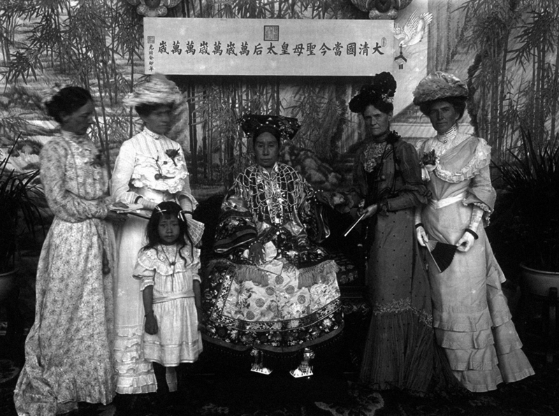 The Qing Dynasty Cixi Imperial Dowager Empress of China On Throne 7.PNG