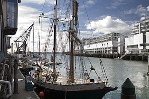 The harbor, Auckland - 1115.jpg