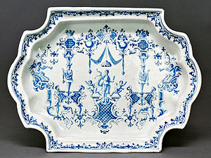 Jean Bérain the Younger - Bérainesque grotesque decor on an 18th-century faience plate from Turin