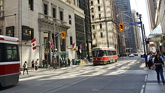King station (Toronto) - Connecting streetcars on King St.