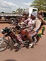 Transport dans le plateau du Bénin 17.jpg