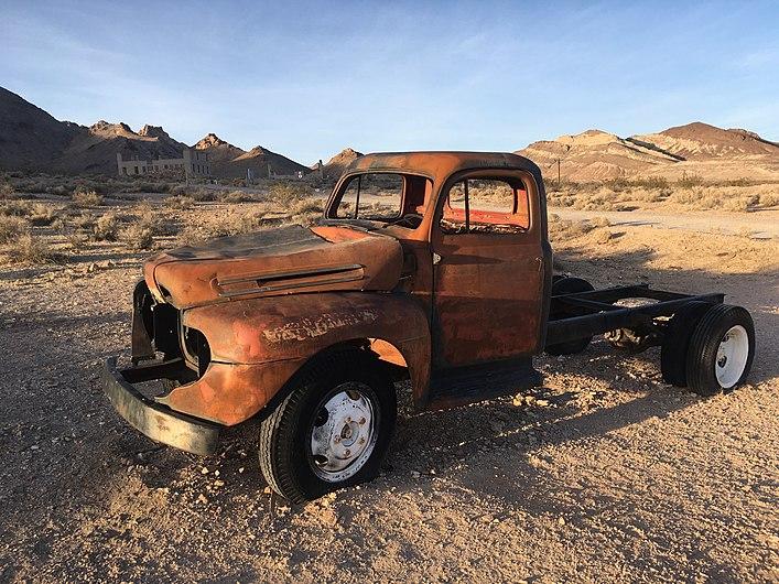 Truck rusting 5910.jpg