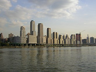 Riverside South, Manhattan - Image: Trump Place from mid Hudson jeh