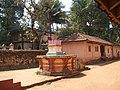 Tulsi Vrindavan at Shiroda Mauli Mandir in Sindhudurg - panoramio.jpg
