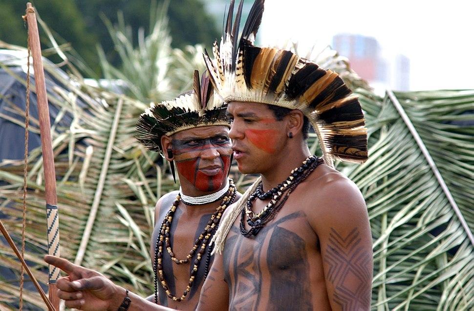 Two Pataxo indians (Brasília, 04 April 2006).jpeg