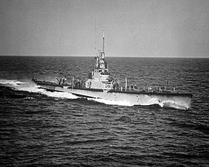 USS Cod (SS-224), about ۴۰ مایل (۶۴ کیلومتر) south of Block Island, R.I., December 1951.