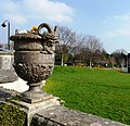 Urn, Oldway mansion, Paignton - geograph.org.uk - 693221.jpg