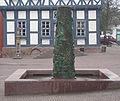 Uslar Brunnen Spenneweih02a800.jpg