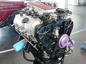 V6 engine - Japan's first mass-produced V6 engine, the Nissan VG30E