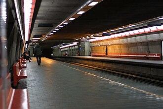 Vendôme station - Vendôme Station platform.