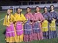 Veracruzanas con traje típico en Oaxtepec, Morelos.jpg