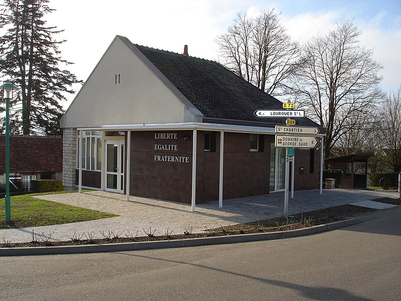 Verneuil-sur-Igneraie (36): La mairie.