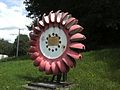 Vevey - roue de turbine Pelton (monument) - 2011 - 01.jpg