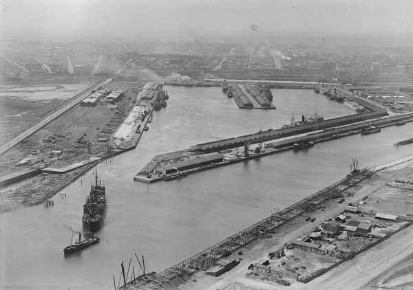 Victoria docks melbourne in the 1920s