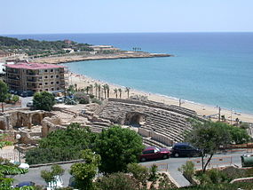 View of Tarragona and roman amphitheatre.jpg