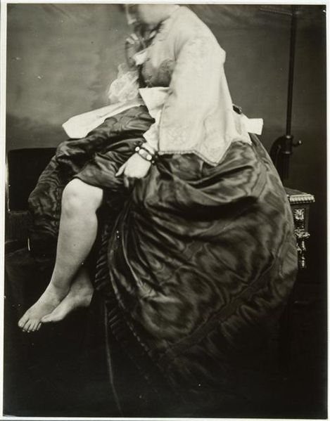 http://upload.wikimedia.org/wikipedia/commons/thumb/4/43/Virginia_Oldoini_Legs.jpg/469px-Virginia_Oldoini_Legs.jpg