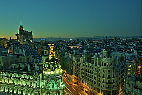 Travel Guide for Madrid covering things to see and do, transportation and hotels