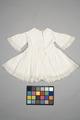 Vit barnklänning 1900-tal - Livrustkammaren - 86905.tif