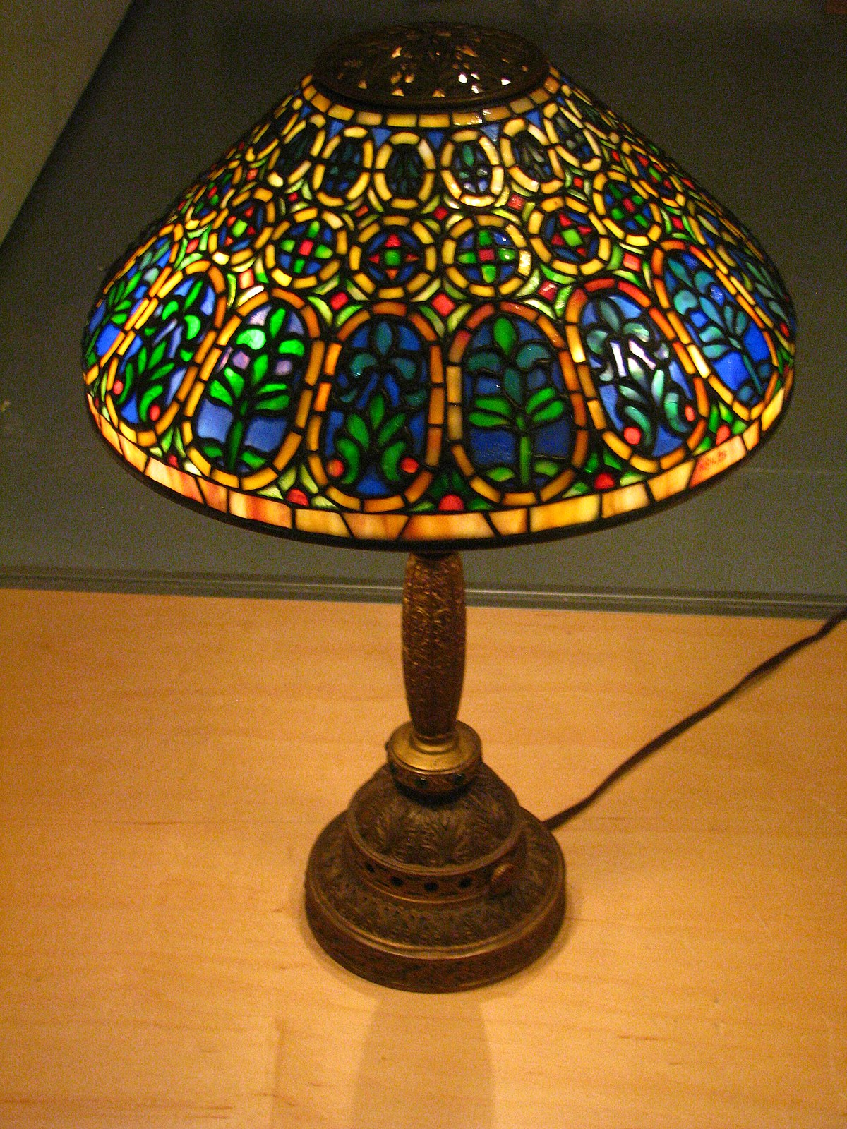 Tiffany Lamp Simple English Wikipedia The Free Encyclopedia