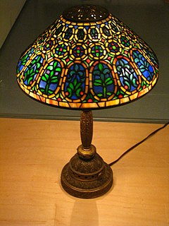 Tiffany lamp type of lamp with a glass shade