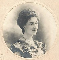 Wallace-Dunlop photo Sept 1901.jpg