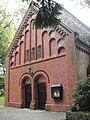 Westeingang Kirche Sinstorf.JPG