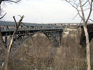 Whirlpool Rapids Bridge 2009.jpg