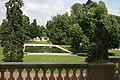 Widok na park z balkonu pałacu. 048.jpg