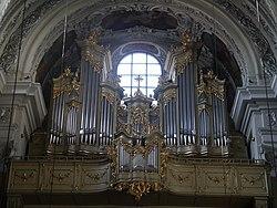Wien Dominikanerkirche Innen Orgel.JPG