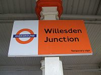 Willesden Junction stn low level signage.JPG