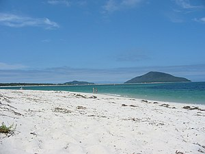 Port Stephens (New South Wales) - Looking towards the mouth of Port Stephens along Jimmys Beach from Winda Woppa.