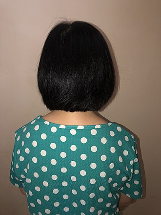Bob cut - Woman with bob haircut, rear view