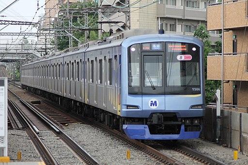 Yokohama-minatomirai-railway-Y516-20130529