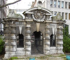 Balthazar Gerbier - The Italianate York Water Gate survives in Embankment Gardens