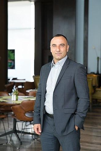 Yossi Abu - Image: Yossi abu CEO